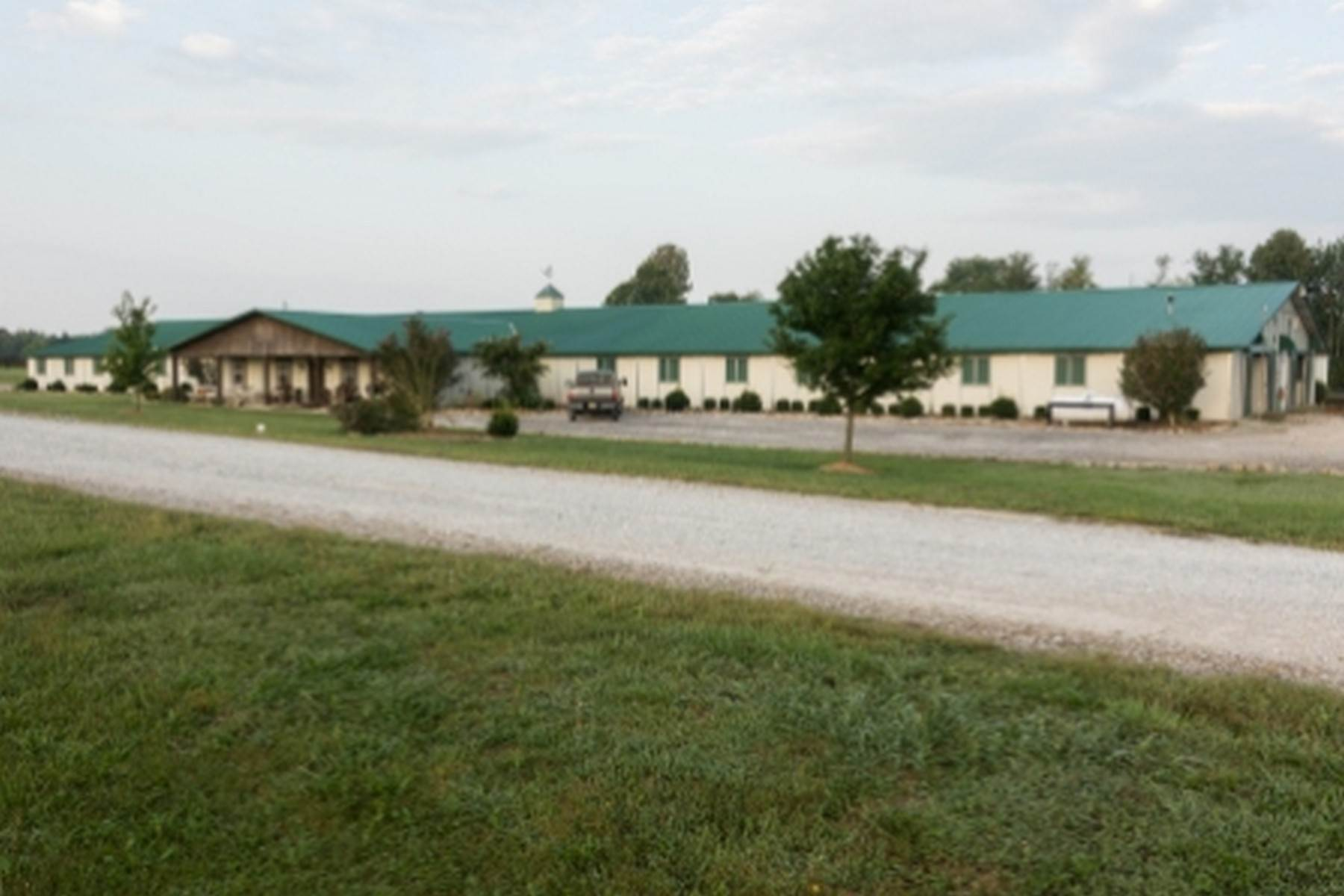 32. Farm and Ranch Properties for Sale at 4770 Grooms Lane Princeton, Kentucky 42445 United States