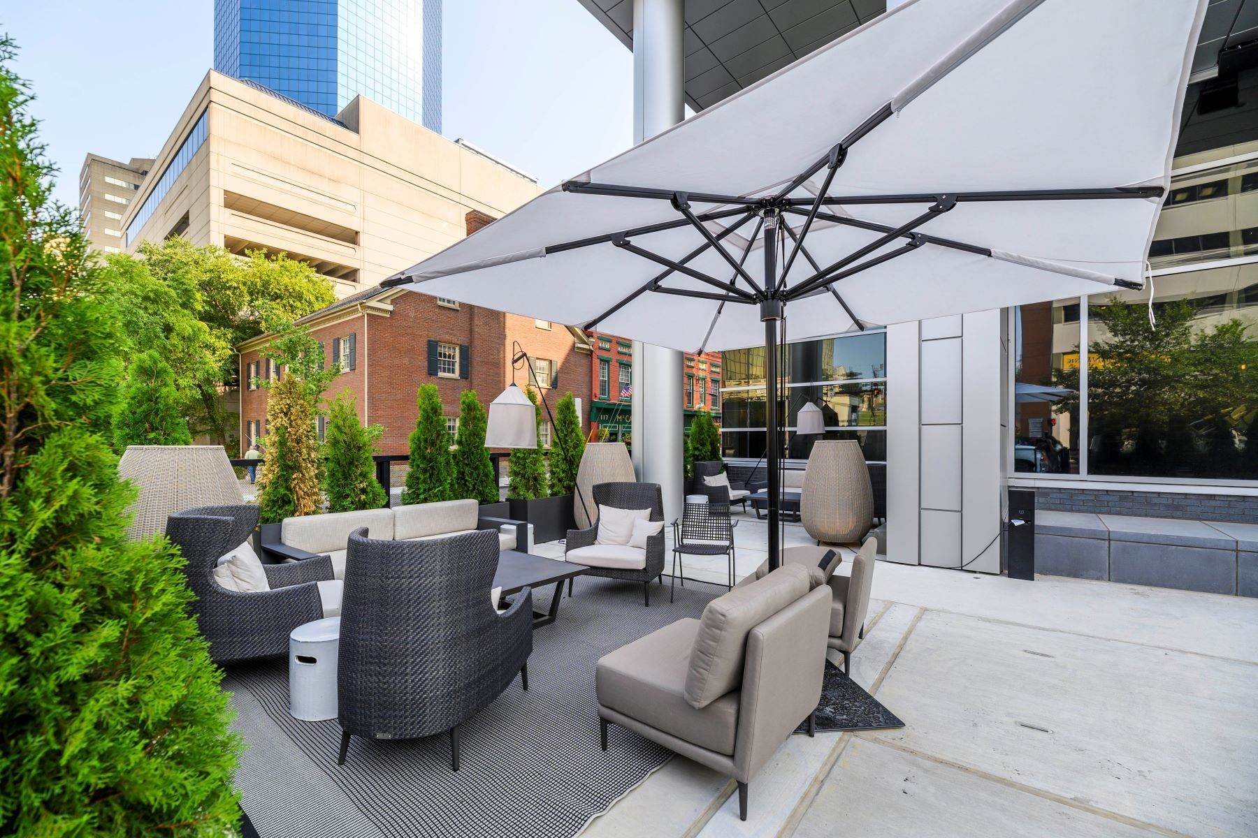 6. Condominiums for Sale at The Penthouses at City Center 103 S Limestone #1220 Lexington, Kentucky 40507 United States
