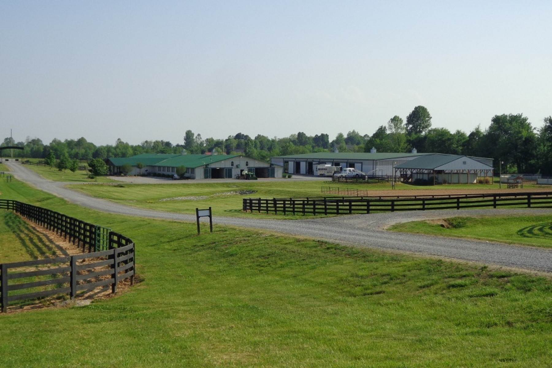 18. Farm and Ranch Properties for Sale at 4770 Grooms Lane Princeton, Kentucky 42445 United States